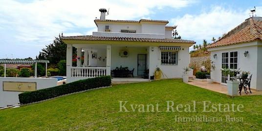 Уютный дом с видом на море в Ла Кала де Михас
