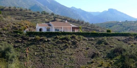 Загородный дом в горах Андалусии
