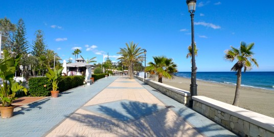 Просторная квартира в 50 метрах от пляжа в Сан Педро Алькантара